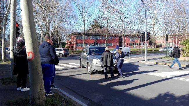 Pedone investito arriva automedica e ambulanza