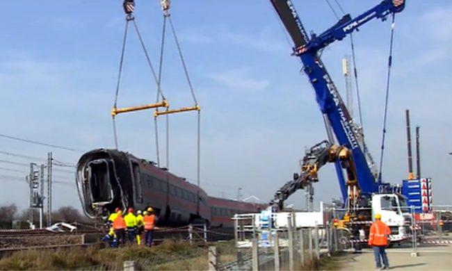 Deraglia Treno a Lodi, morto macchinista reggino, 27 feriti