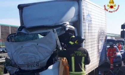 Incidente in A4, muore 60enne di Rivolta FOTO