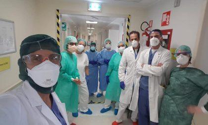 """Coppia di anziani positivi al Covid-19 """"riunita"""" in ospedale a Melzo"""