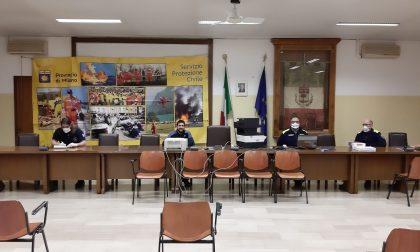 Il parroco benedice gli angeli custodi del Centro operativo comunale di Cassina de' Pecchi