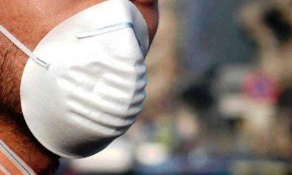 Emergenza Coronavirus, a Cassano d'Adda la Protezione civile consegna una mascherina a famiglia