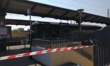 Tragedia sui binari a Segrate: morto travolto dal treno FOTO
