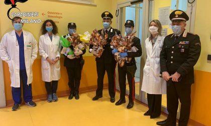 I Carabinieri consegnano uova e colombe negli ospedali FOTO
