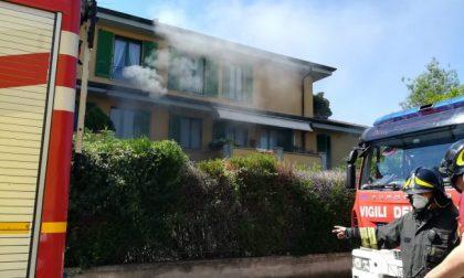 Incendio a Fara, Vigili del fuoco sul posto FOTO