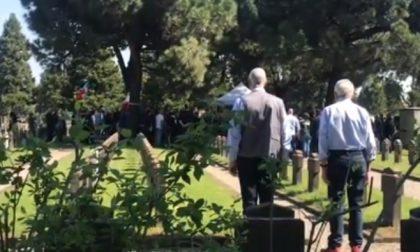 Saluto fascista al cimitero Maggiore: condannato un politico melzese