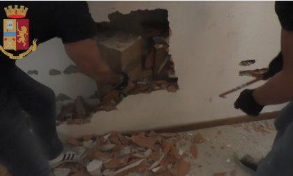 Milano, la Polizia ritrova 15 milioni di euro nascosti… in un muro VIDEO