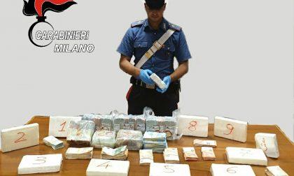 Dieci chili di cocaina e 200mila euro in contanti in casa, arrestati