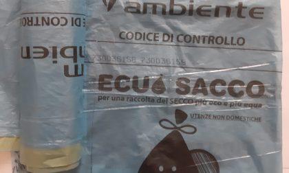 Caos in paese per la distribuzione dei sacchi per la differenziata