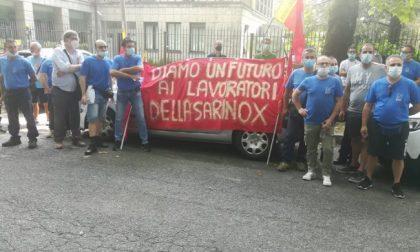 Sarinox, protesta davanti ad Assolombarda a Monza