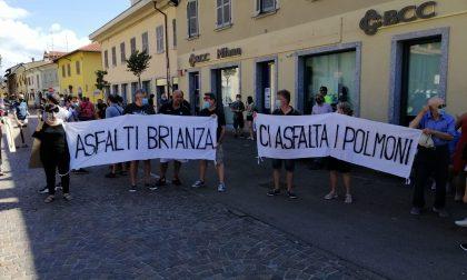 Asfalti Brianza, la protesta dei cittadini arriva in piazza FOTO e VIDEO