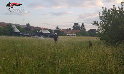 Furti e rapine: Carabinieri atterrano in elicottero nel campo nomadi FOTO