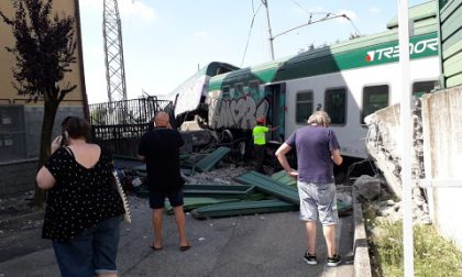 Incidente ferroviario a Carnate: il macchinista e il capotreno erano al bar a mangiare un panino