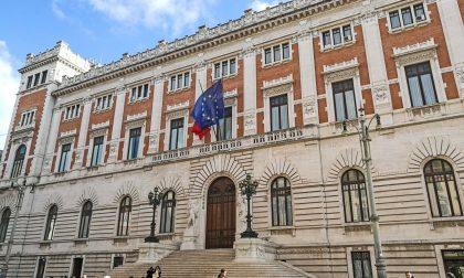"""Bonus 600 euro ai parlamentari: """"Politici comunali non paragonabili, dovrebbero guadagnare di più"""""""