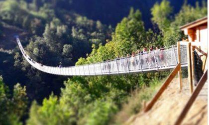 Impazzano i ponti tibetani
