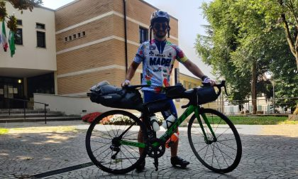 E' partito da Cassano per raggiungere Napoli pedalando per mille chilometri in bici