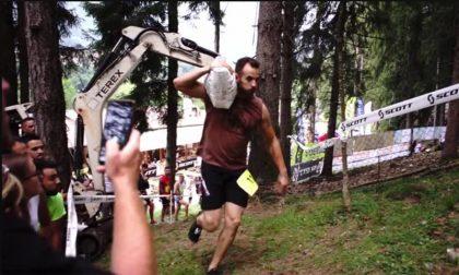 """Un sacco di cemento in spalla e via: in 120 al via per la """"Magut Race"""" VIDEO"""