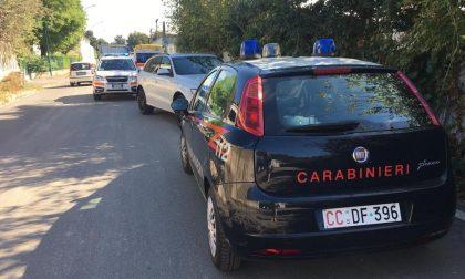Furibonda zuffa in strada a Bussero. Arrivano Carabinieri, ambulanza e automedica