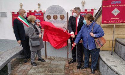 Nei  65 anni di Avis Cernusco un monumento in memoria dei padri fondatori FOTO  e VIDEO