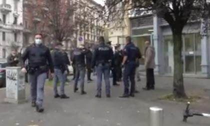 Rapina in banca a Milano:  dipendenti in ostaggio, poi la fuga attraverso le fogne VIDEO