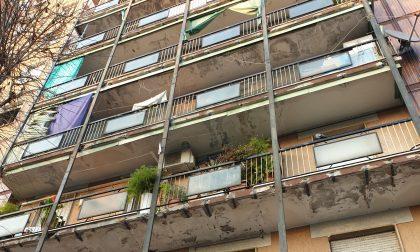 Balconi a rischio crollo: il sindaco vieta di uscire in terrazzo