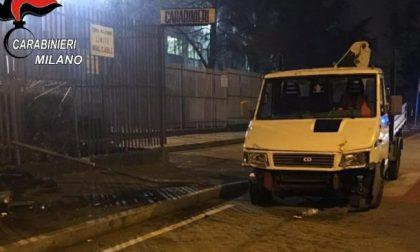 Sfondò con un furgone il cancello della caserma per protestare contro l'arresto del figlio: condannata a 3 anni e 6 mesi