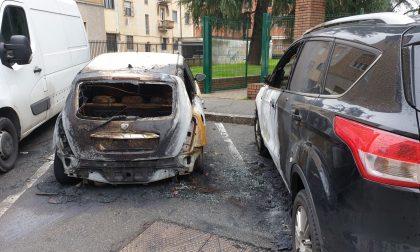 Auto bruciate a Pioltello: è allerta piromane