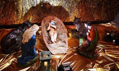 Nel Presepe è arrivato Gesù Bambino... con la mascherina