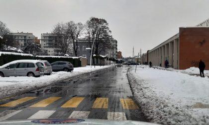 La situazione a Pioltello: strade principali libere, ora è allarme ghiaccio FOTO