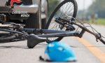 Investe un uomo in bicicletta e poi lo bastona per farsi risarcire il danno alla macchina