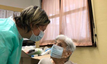 Vaccino anti-Covid in Rsa, a Trezzo la prima a riceverlo è stata una novantanovenne