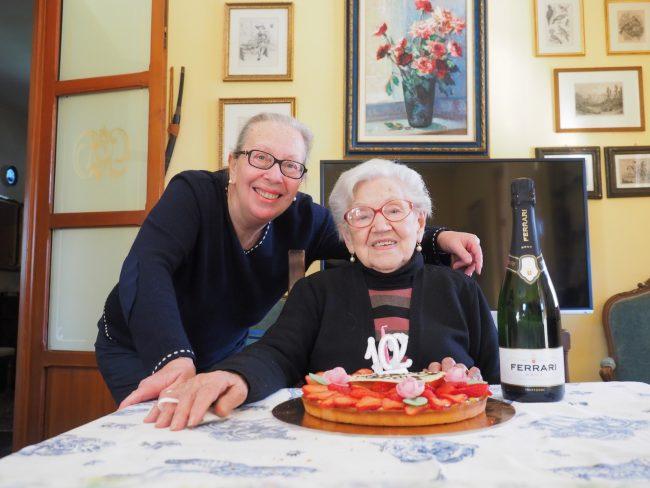 cassina de pecchi anna pala compie 102 anni con figlia marisa pini