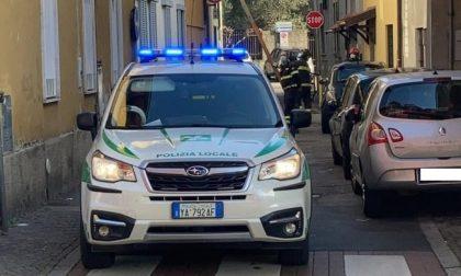 Resta senza ossigeno per un blackout: la Polizia Locale recupera un generatore