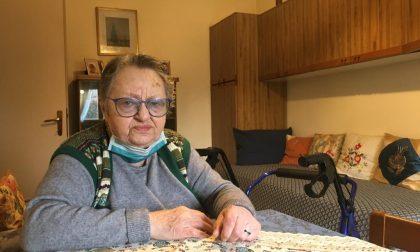 Anziana sola chiama i Carabinieri per un aiuto: loro arrivano e le fanno la spesa