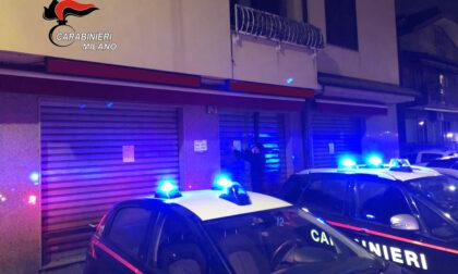 Serve alcolici dopo la chiusura: bar chiuso e sette clienti multati