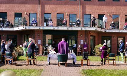 Una Messa alla casa di riposo per ricordare i morti a causa del Covid