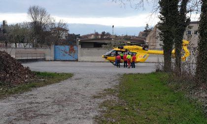 Adolescenti entrano nella fabbrica dismessa: tredicenne cade. Soccorso dall'elicottero