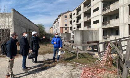 Aler Pioltello ecco cosa c'è dentro: il degrado di un cantiere abbandonato