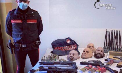 In garage teneva kalashnikov, fucili, pistole  e bombe fatte in casa: arrestato