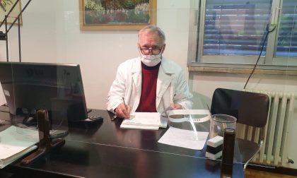 In paese mancano i medici, il dottore in pensione si rimette il camice e torna in servizio