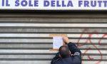 Non rispetto della normativa anti-Covid e altre irregolarità: fruttivendolo aperto da 24 ore subito chiuso dalla Polizia Locale