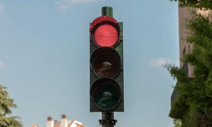 Vandali mandano fuori uso il semaforo T-Red da migliaia di multe