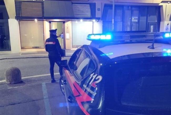 party abusivo a Milano intervengono i carabinieri