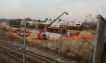 Il ponte sulla ferrovia apre a metà maggio e il sindaco di Cassano d'Adda sbotta