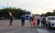 Lavoratori delle cooperative in agitazione a Pioltello, ma niente scontri