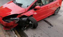 Scontro tra due auto sul ponte di Trezzo