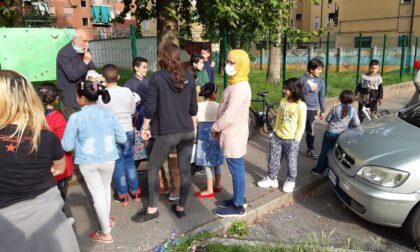 Protesta dei bambini e delle famiglie  di Pioltello per riaprire il parco pubblico chiuso