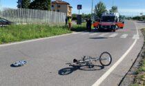Ragazza investita in bici, l'elisoccorso atterra nella caserma dei Carabinieri