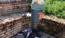 Ladri scatenati: si sono rubati persino… i cestini dell'immondizia