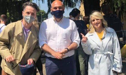 I comici Katia Follesa e Angelo Pisani in giro per Cernusco sul Naviglio